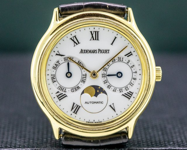 Audemars Piguet 25589/002 Vintage Day Date Moonphase 18K Yellow Gold 33MM