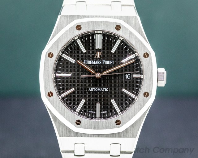 Audemars Piguet 15400ST.OO.1220ST.01 Royal Oak 15400ST Black Dial 41MM