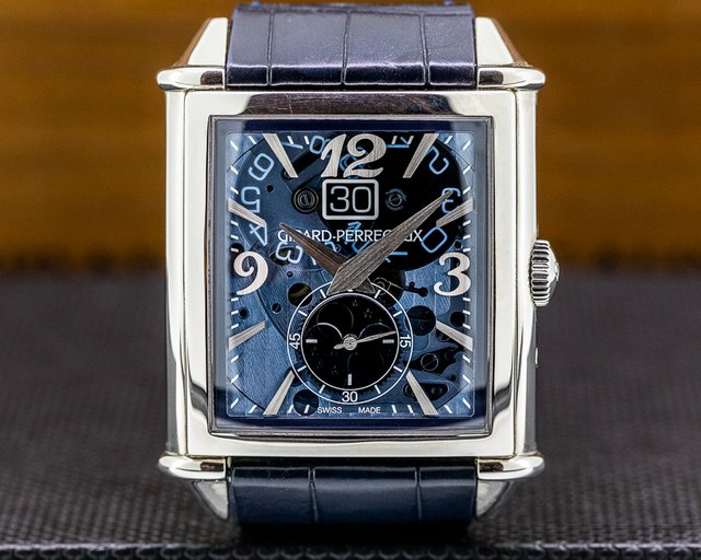 Girard Perregaux 25882-11-421-BB4A Vintage 1945 XXL Large Date Moonphases SS