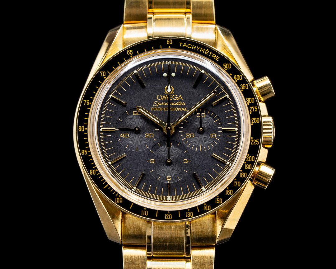 Omega Speedmaster Yellow Gold / Bracelet Black Dial Ref. 3195.50.00