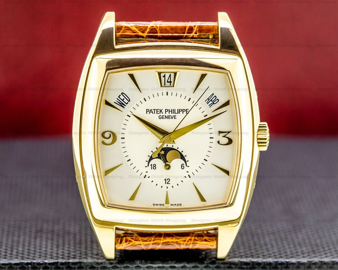 Patek Philippe Gondolo Calendario 5135J Cream Dial 18K Yellow Gold Ref. 5135J-001