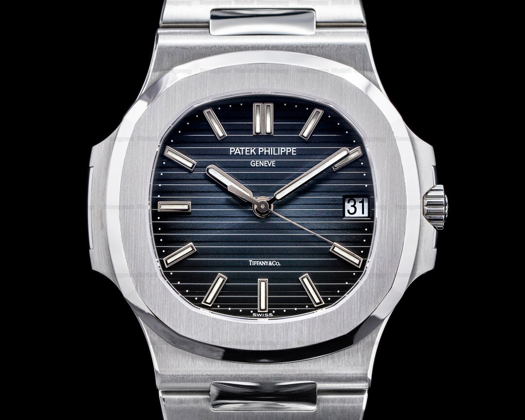 Patek Philippe Jumbo Nautilus 5711 TIFFANY & CO Blue Dial FULL SET Ref. 5711/1A-001 TIFFANY