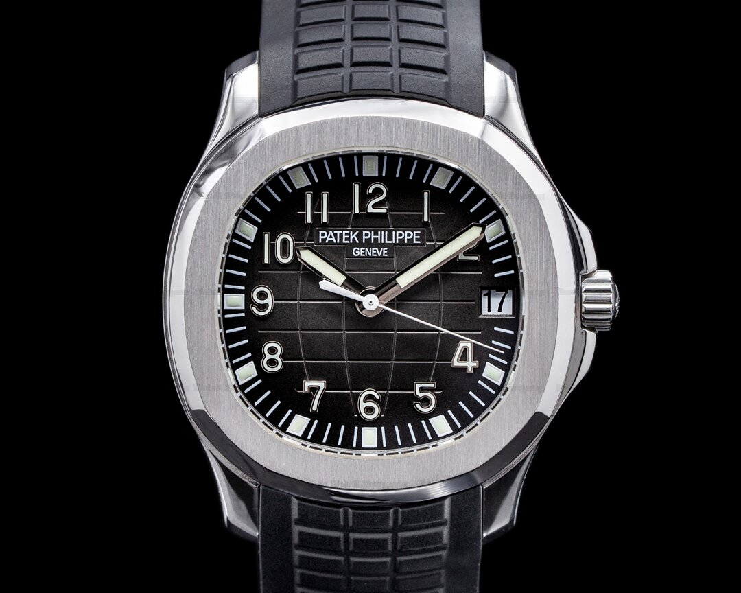 Patek Philippe Aquanaut 5165A Mid Size VERY RARE Ref. 5165A-001