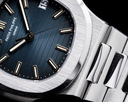Patek Philippe Jumbo Nautilus 5711 Blue Dial SS FULL SET Ref. 5711/1A-001
